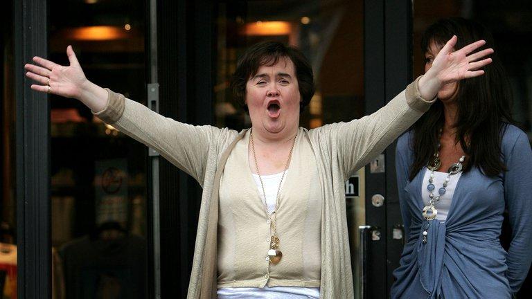 La nueva vida de Susan Boyle, la mujer que emocionó al mundo con su voz, terminó en un psiquiátrico y ganó 35 millones de euros