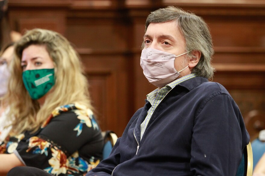 Un fiscal pide suspender la elección del PJ bonaerense que consagraría a Máximo Kirchner