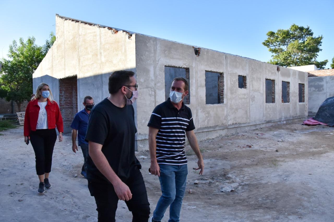 El ministro Pérez Pons visitó obras en ejecución