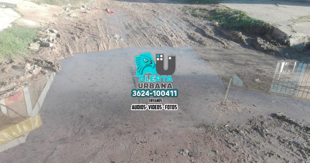 Barrio Villa Palermo: Vecinos piden reparación de cañería rota