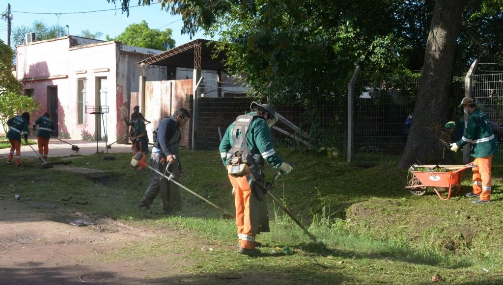 Se realizaron trabajos de limpieza y desmalezado en villa Don Rafael