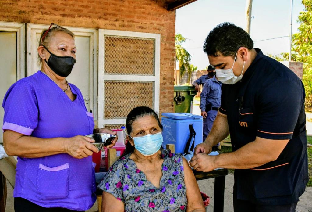 Postas de vacunación: en Fontana, Barranqueras y Villa Rio Negro