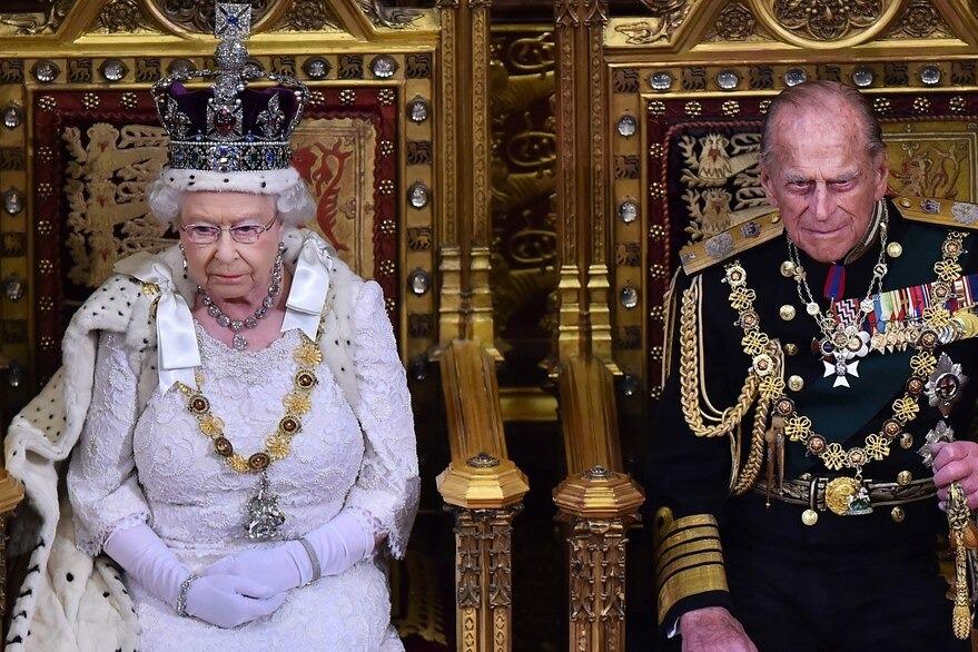 Quién heredara el título que le pertenecía a Felipe de Edimburgo