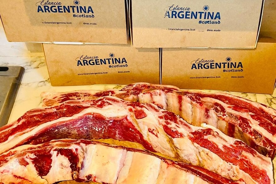 El Argentino que hizo un negocio enseñando a hacer asado en Edimburgo