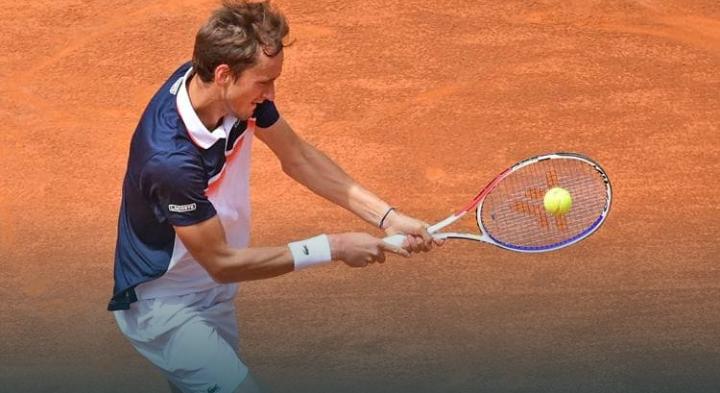 El tenista Medvedev dio positivo por coronavirus