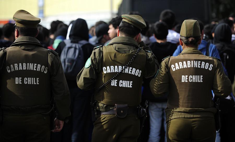 Por infringir las normas sanitarias vigentes, detienen a 158 personas en Santiago de Chile