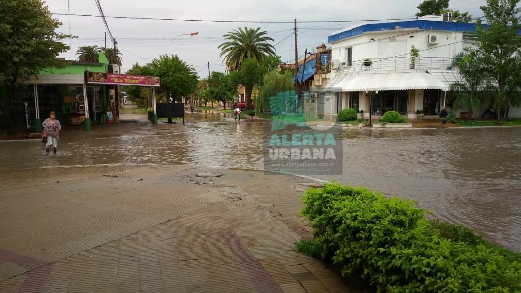 Villa Angela amaneció con lluvias pero funcionaron todos los mecanismos de escurrimiento de las aguas.