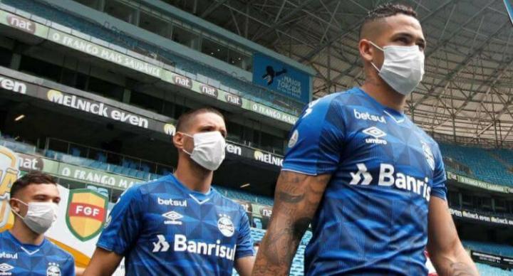 Coronavirus   Prohibido escupir, besar la pelota y cambiar camisetas: el nuevo reglamento de Conmebol