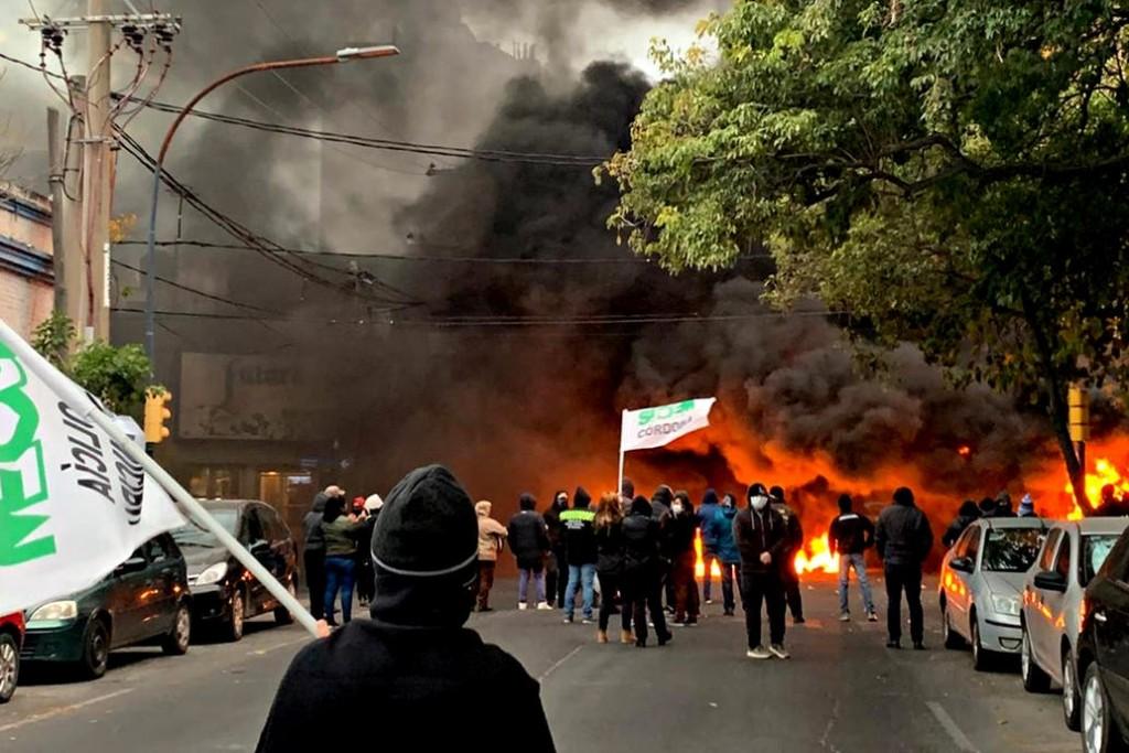 Coronavirus: en Córdoba, las protestas desafían la cuarentena