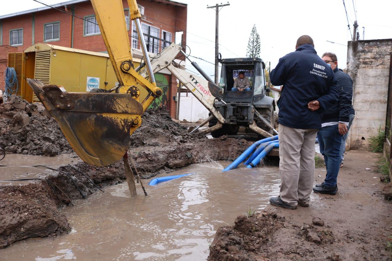 Barranqueras: restablecen servicio de agua potable, tras reparación de caño maestro de Av. San Martín