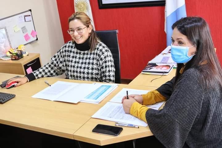 Magda Ayala firmó convenio para incentivar los voluntariados sociales