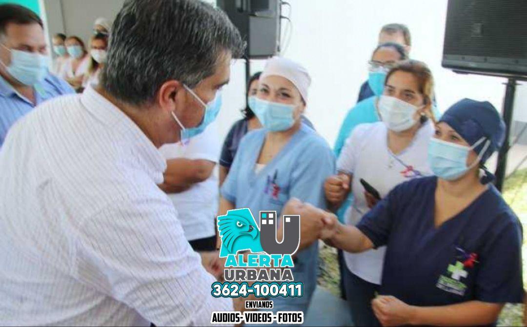 """Capitanich destacó el """"extraordinario trabajo"""" de enfermeros y enfermeras en su día"""