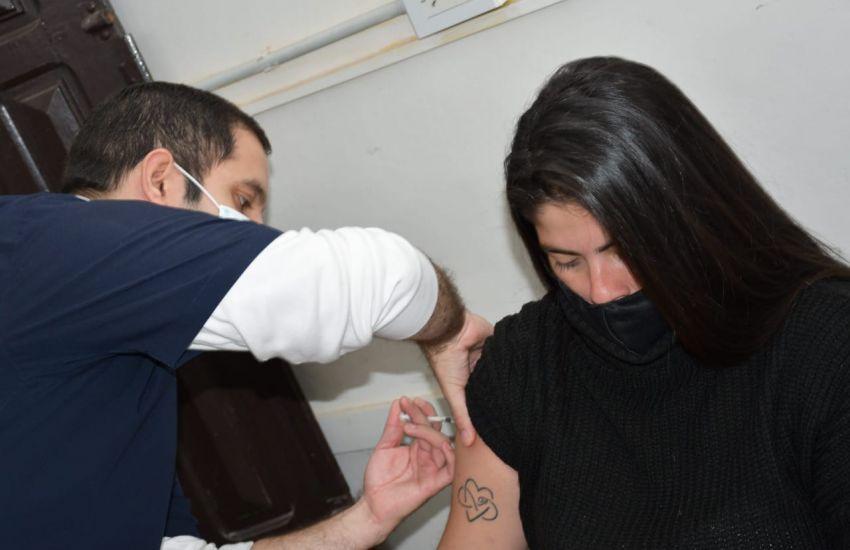 Se habilitaron centros de vacunación para trabajadoras y trabajadores por riesgo de exposición