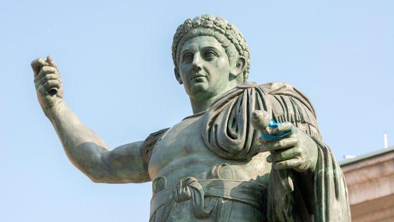 Hace 1.684 años moría el emperador pagano que fundó la Iglesia católica