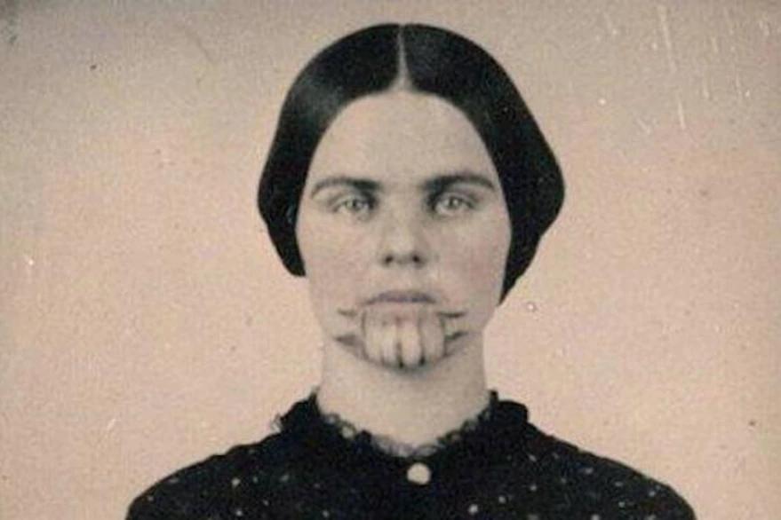 La mujer marcada