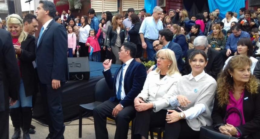 El Intendente Jorge Capitanich, participó del acto por el Dia de la Bandera en homenaje al Gral. Manuel Belgrano, en la Escuela Nº 116