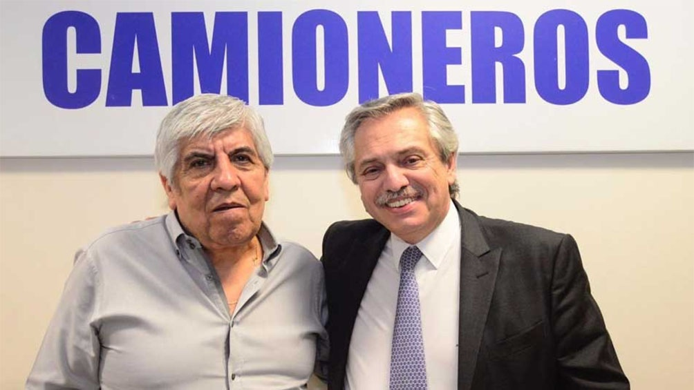 El Gobierno le perdona a Hugo Moyano una multa de $ 810 millones que le había impuesto Mauricio Macri.