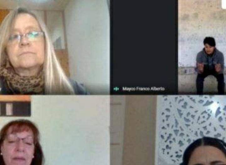 Catamarca: por problemas de Internet, rindió en la parada de colectivos