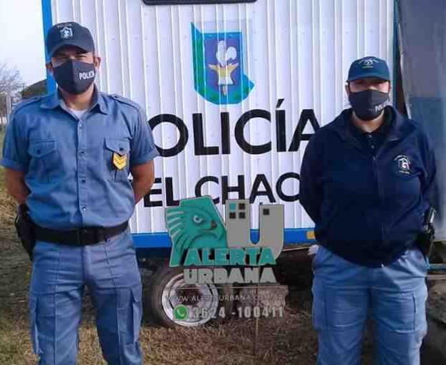 Efectivos policiales salvaron a otro menor practicandole RCP.