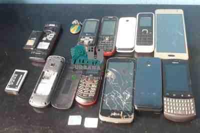 Secuestran varios celulares tras un allanamiento por búsqueda de persona.