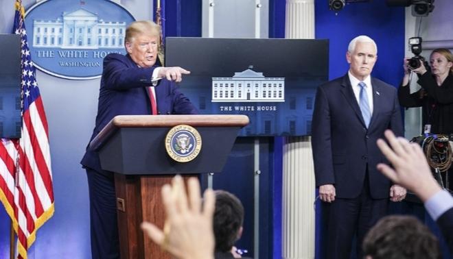 Trump sugiere que China contribuyó a expandir el coronavirus para desestabilizar la economía