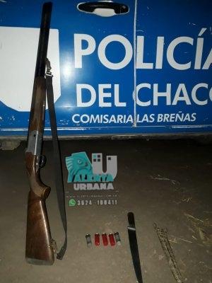 Llevaba armas de fuego y otros elementos de caza, fue detenido.