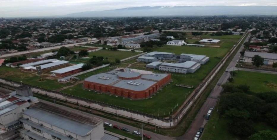Pidieron cajeros en la cárcel para que los presos cobraran el IFE.