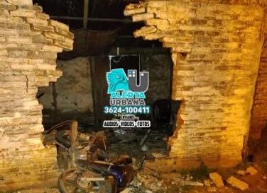 Joven motociclista falleció al chocar contra la pared de una vivienda en Puerto Tirol