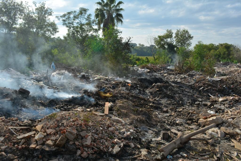 Multan a propietario de terreno por quema ilegal de residuos