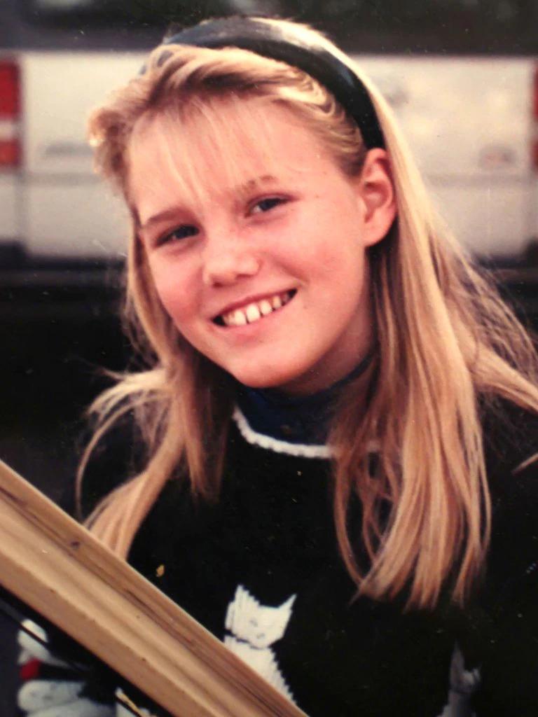 Un pedófilo la raptó, la sometió durante 18 años y tuvieron dos hijas