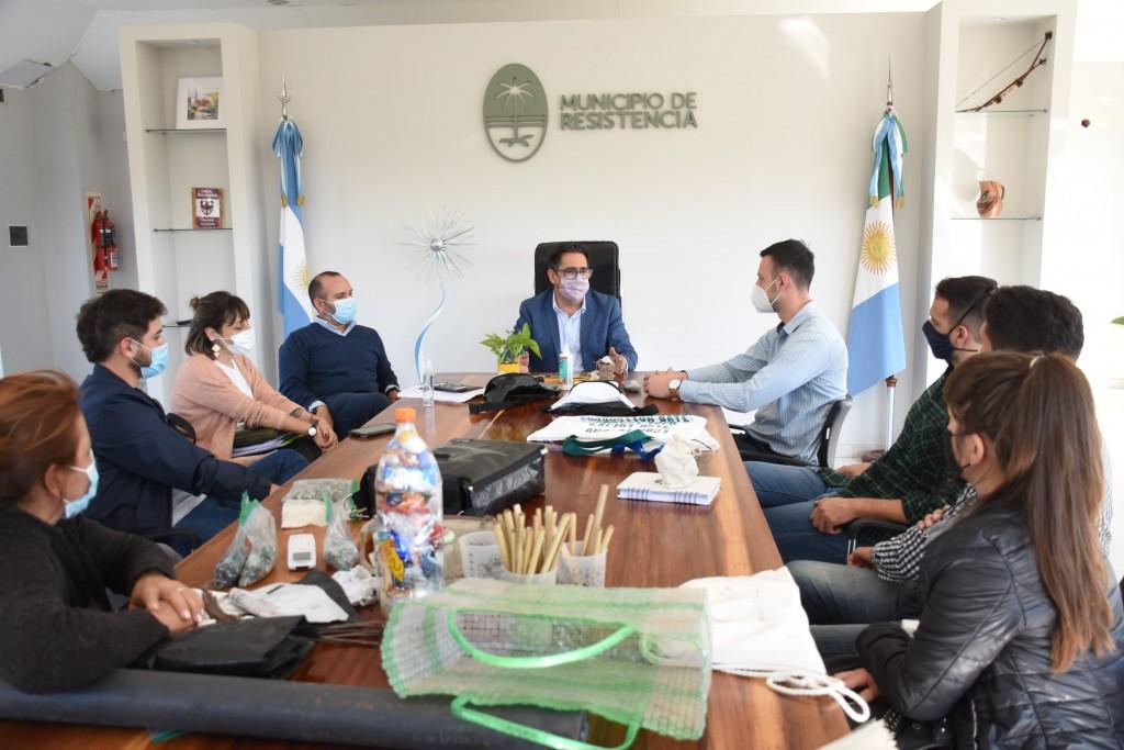 El municipio y emprendedores ambientales analizan la creación de la Red del Triple Impacto