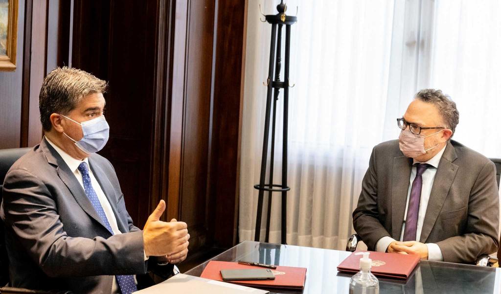 Inversiones y empleo: Capitanich firmó un convenio para ejecutar un plan de 35 mil millones de pesos