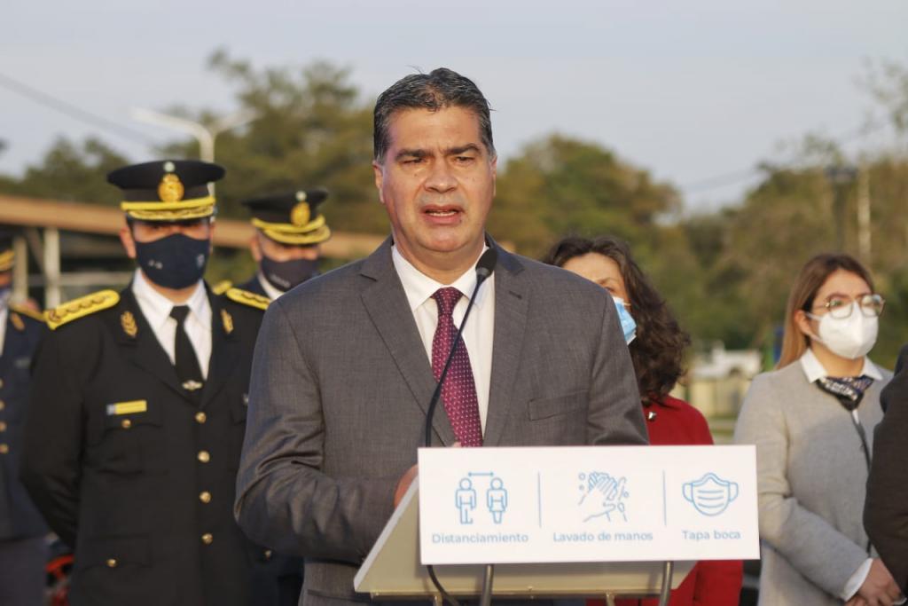 El Gobernador firmó más de 1.000 ascensos, anunció aumento salarial y entregó 214 vehículos en el 68° aniversario de la policía