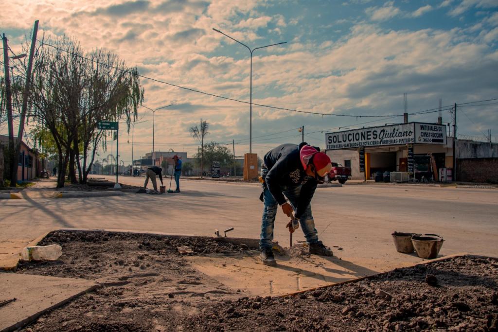 Avenida San Martin: el Gobierno avanza en la pavimentación de arterias claves para la zona sur de Resistencia