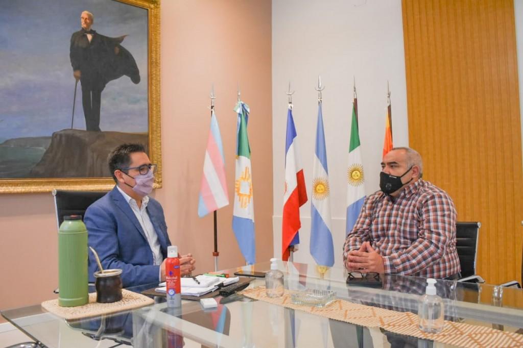Gustavo Martínez conformó una mesa de trabajo con la federación de Bomberos Voluntarios del Chaco