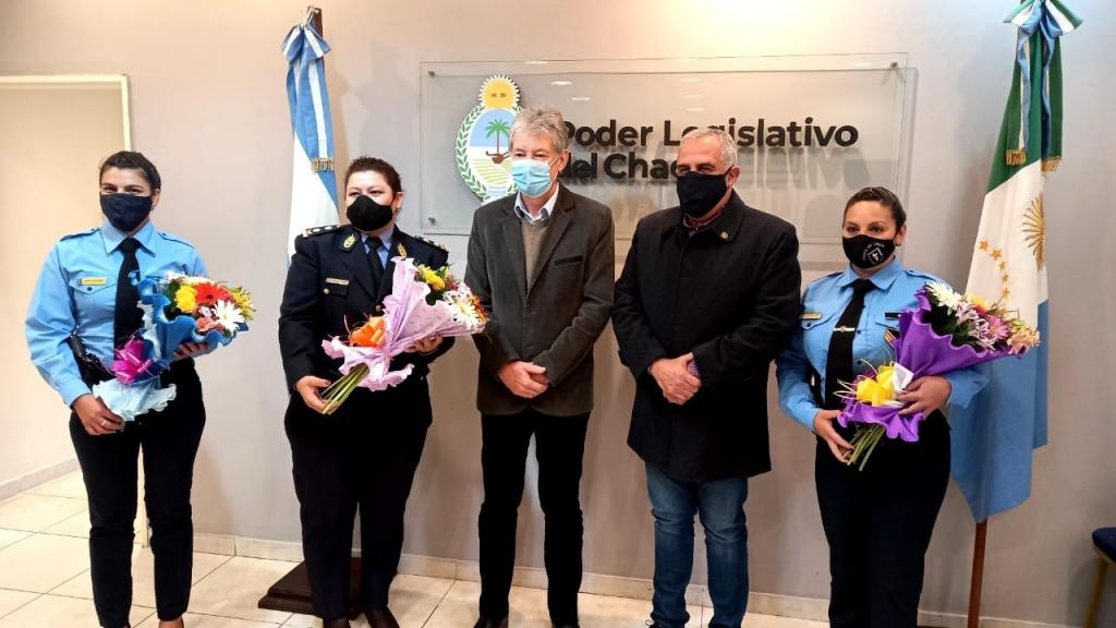 Mujeres policías fueron homenajeadas