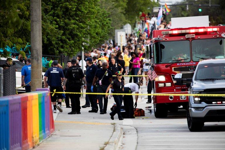 EEUU: una persona murió tras ser embestida por un camión en un desfile del orgullo LGBTQ en Florida