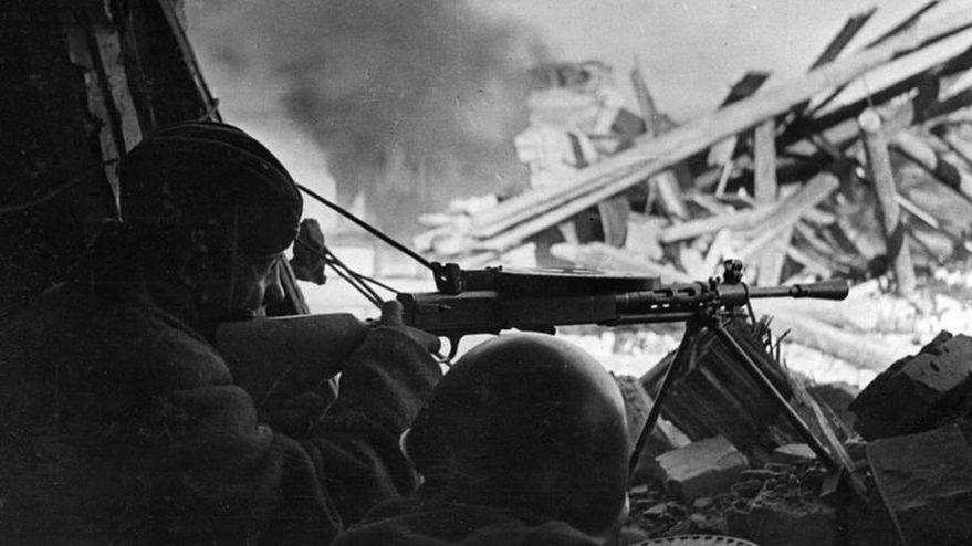 """10 preguntas para entender el """"peor error"""" de Hitler en la Segunda Guerra Mundial"""
