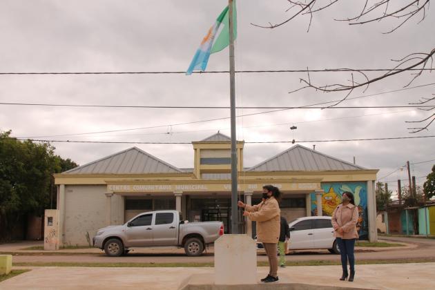 La bandera de Resistencia fue izada por primera vez en Villa Río Negro.