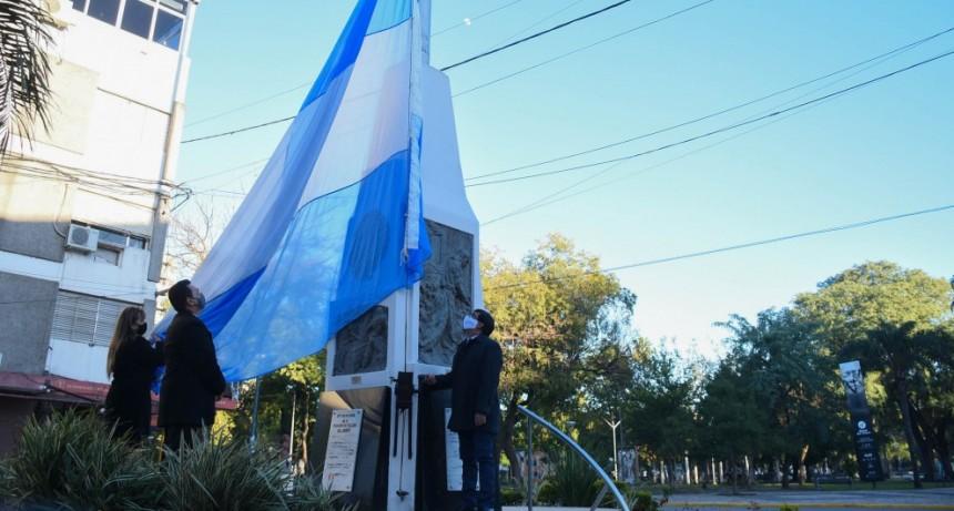 Resistencia celebró el 204° aniversario de la Declaración de Independencia Argentina con 10 izamientos de banderas realizados en simultáneo