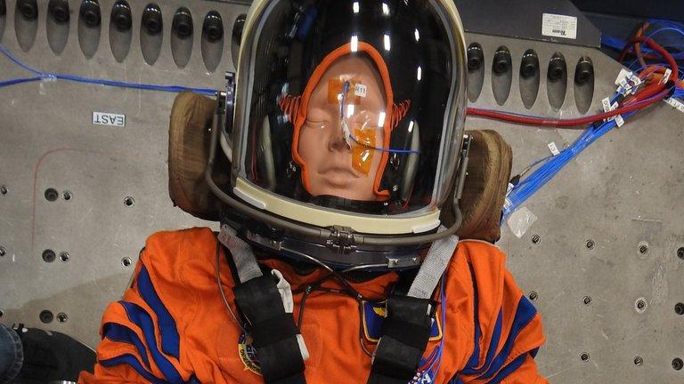 Qué planes tiene la NASA con los maniquíes que enviará a la Luna en Artemisa 1
