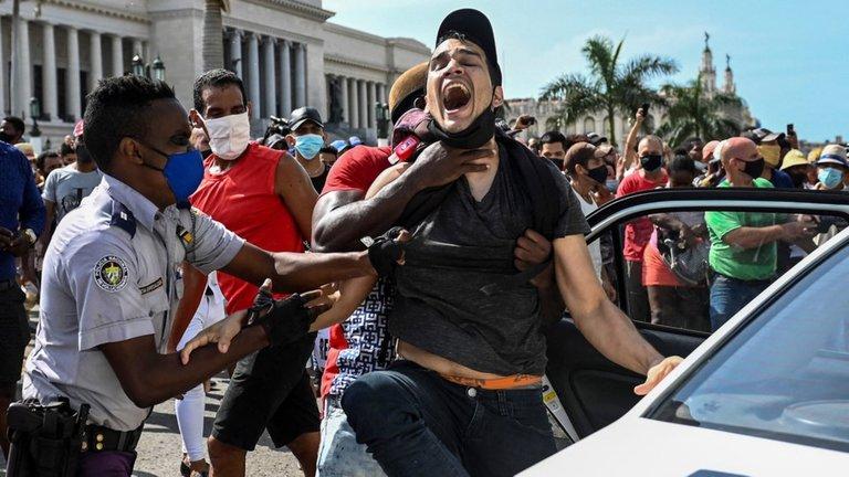 Cuba: un grito de desesperación y lamentos que no fueron oídos