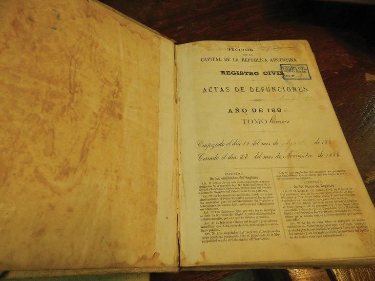 De los libros parroquiales al DNI no binario