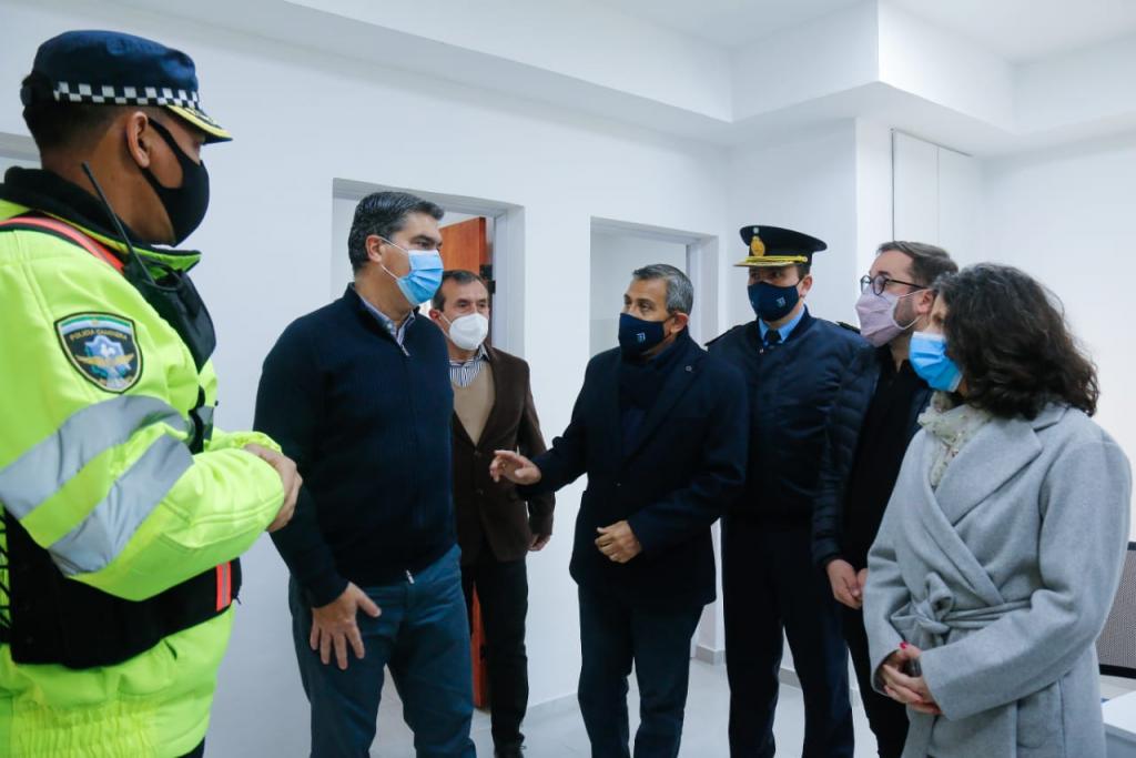 El Gobierno inauguró las refacciones del destacamento de la policía caminera entre Isla del Cerrito y Antequeras