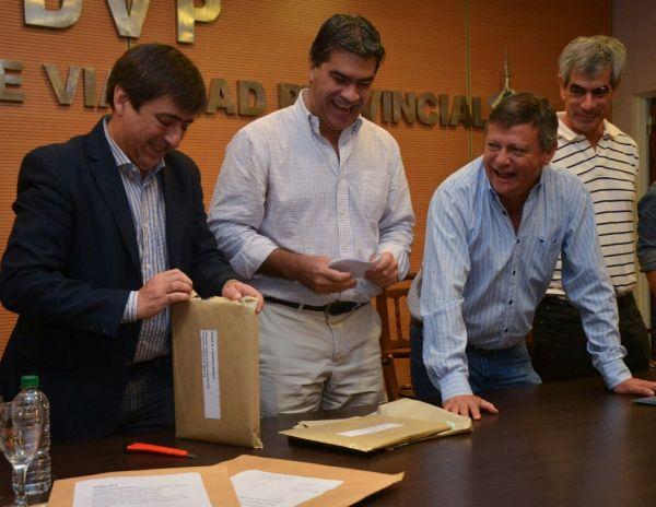 A un día del cierre de listas, habría acuerdo entre el Gobernador Capitanich y Gustavo Martinez