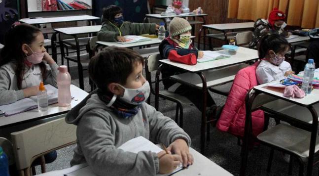 Las provincias preparan el retorno a clases presenciales con protocolos