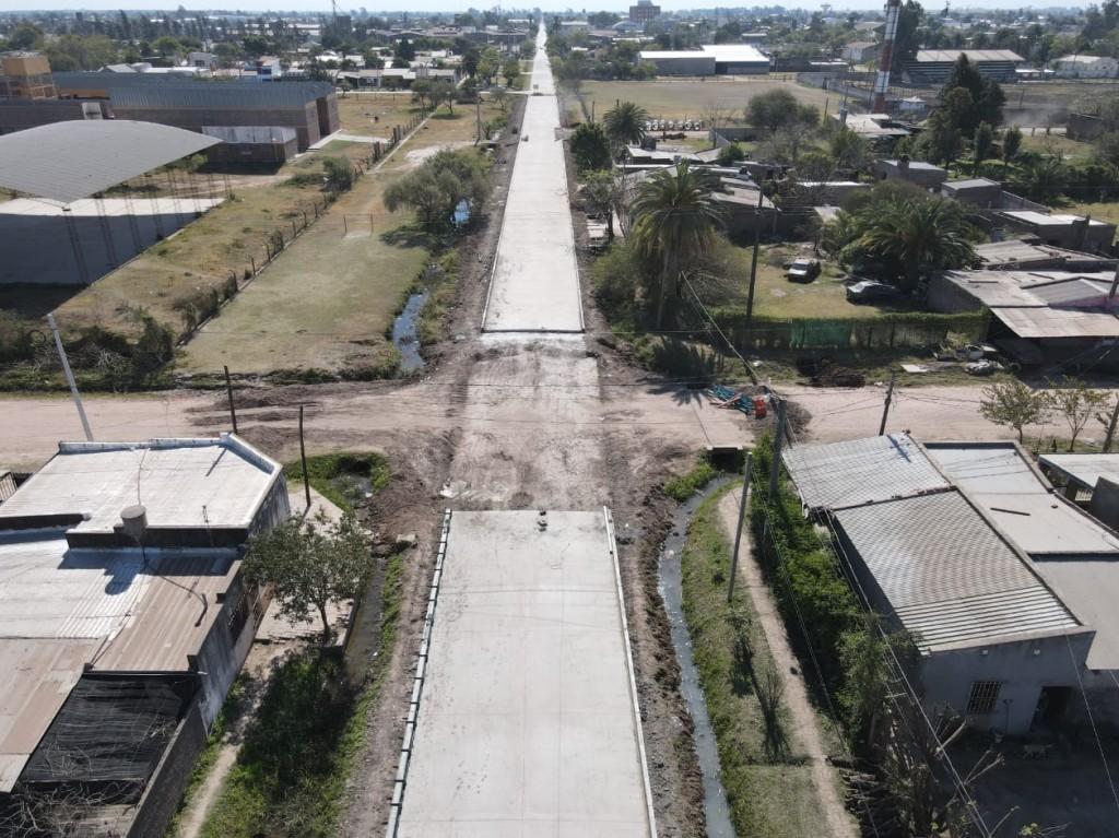 Villa Ángela: El gobierno pavimenta 16 cuadras