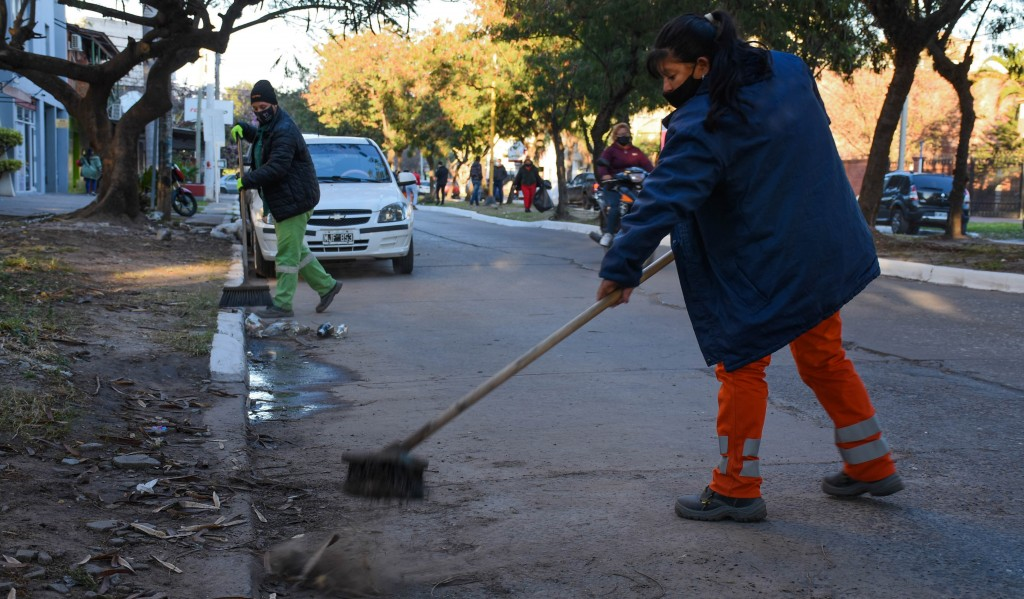 Trabajos de mantenimiento en las Avenidas Belgrano y Alberdi