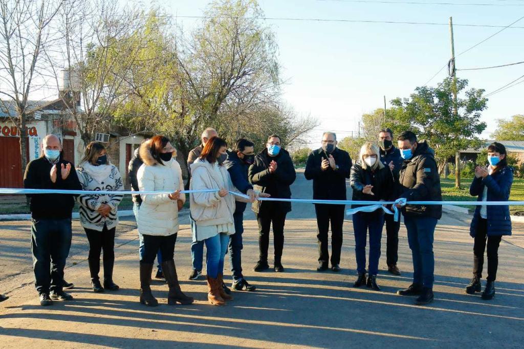 Capitanich inauguró 17 nuevas cuadras de pavimento y anunció la próxima licitación para las obras de la avenida Marconi