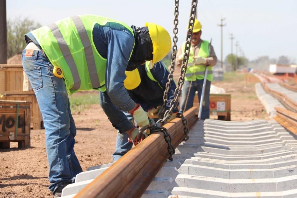 Trenes de cargas: licitan obras para renovar vías en Chaco y Catamarca